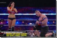Рестлер сделал предложение девушке на ринге