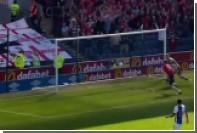Английский футболист одним ударом трижды попал в перекладину во время матча