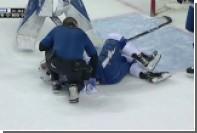 Игрока клуба НХЛ удалили до конца матча за удар соперника клюшкой в пах