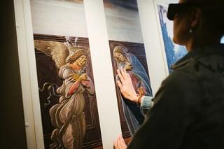 В ЦДК состоялась премьера документального фильма о картинах для незрячих