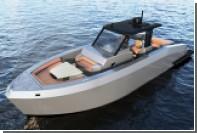 Турки продали 12-метровый катер с ванной на борту