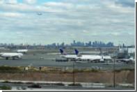 Из-за возгорания двигателя самолета в аэропорту Ньюарка пострадали 5 человек