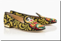 Charlotte Olympia украсила слиперы матрешками и сакурой