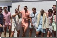 Американцы предписали мужчинам носить летом комбинезоны