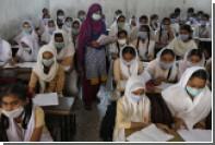 Из-за утечки газа в индийской школе пострадали 200 учениц