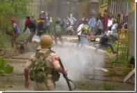 Индийские студенты подрались с полицейскими