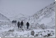 На Эвересте погибли три альпиниста