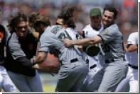 Бейсболисты устроили массовую драку во время матча MLB в США