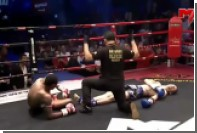 Бойцы одновременно отправили друг друга в нокдаун на турнире по тайскому боксу