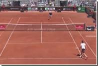 Французский теннисист заставил мяч перепрыгнуть сетку в обратном направлении