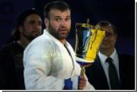 Непобежденный россиянин подписал контракт с UFC