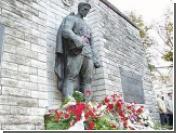 Власти Таллина не стали переносить памятник Воину-освободителю, установленный в центре города