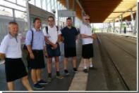 Водители автобусов в Нанте нарядились в юбки из-за запрета на шорты
