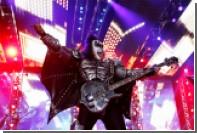Лидер Kiss решил запатентовать «козу»