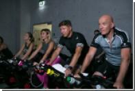 Любителям фитнеса предложили смотреть кино на велотренажерах