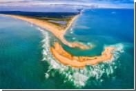 Неожиданно появившийся из-под воды остров стал туристическим хитом