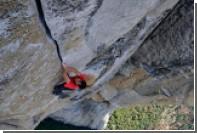 Скалолаз без снаряжения покорил 900-метровую гору в США за четыре часа