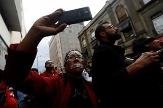 В Мексике журналисты обвинили правительство в прослушке их телефонов