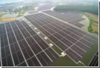Крупнейшую плавучую солнечную электростанцию показали на видео