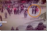 Опубликовано видео нападения на полицейского у Собора Парижской Богоматери