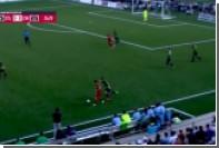 Аргентинский футболист пяткой перебросил вратаря в матче Открытого кубка США