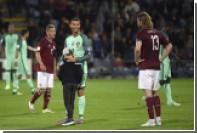 Мальчик выбежал на поле во время матча и обнял Роналду
