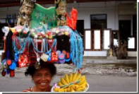Гости фестиваля Индонезии в Москве поиграют на поющих чашах и займутся серфингом