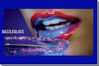 MAC выпустил «ультра-сияющий» блеск для губ цвета фиалки