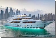 Арабские судостроители отделали яхту хризопразами и аметистами