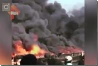 Появилось видео со взрывом из горящего иранского порта