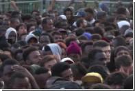 Тысячи мигрантов эвакуировали из приютов в Париже