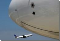 Пассажирский самолет приземлился в аэропорту Денвера с горящим двигателем