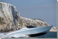 Первый катер Aston Martin оправился к владельцу в Майами