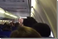 Соревнование с туалетной бумагой устроили во время авиарейса в США