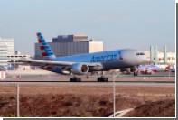 Авиадебошира обезвредили при попытке выйти из лайнера по время перелета