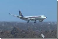 Посадка самолетов в Австралии при ветре в 100 километров в час попала на видео