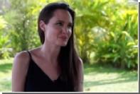 Джоли ответила на обвинения в издевательствах над камбоджийскими детьми