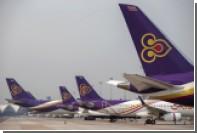Сдвинувшийся телетрап повредил двигатель готового к вылету самолета в Австралии