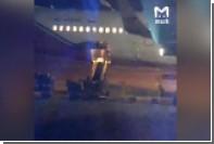 Швыряющего багаж в аэропорту Сочи грузчика сняли на видео