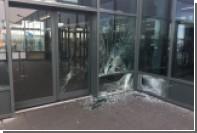 В Исландии автомобиль въехал в здание аэропорта