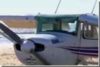 Самолет задавил мужчину и ребенка при приземлении на пляж в Португалии