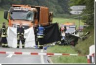 Перевернувшийся мусоровоз в Германии раздавил семью с тремя детьми