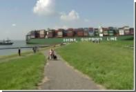 Севший на мель контейнеровоз заблокировал вход в порт Антверпена
