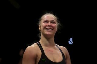 Бывшая чемпионка UFC Роузи вышла замуж за бойца MMA