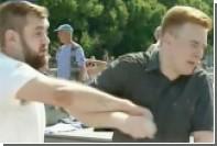 Ударившего журналиста НТВ мужчину заподозрили в связи с футбольными фанатами