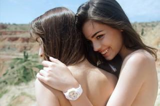 Японцы сделали часы для беспечных девушек