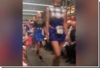На Неделе моды в Нью-Йорке представили кроссовки с «бахилами»
