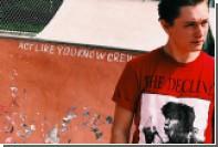 В соцсетях разглядели Безрукова на новой футболке Supreme со средним пальцем