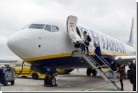 Авиакомпания Ryanair отказала женщине с дочерью в перелете из-за их ручной клади