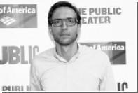 Автор мюзикла про американских демократов умер